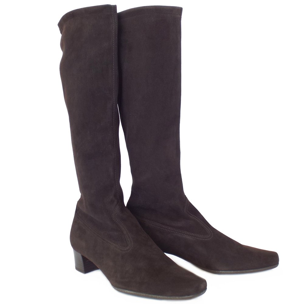 Explore our latest range of women's boots. Whether you are searching for the must have style or a staple classic, an on-trend over the knee or an easy ankle boot - Dune London will help find your perfect boot.