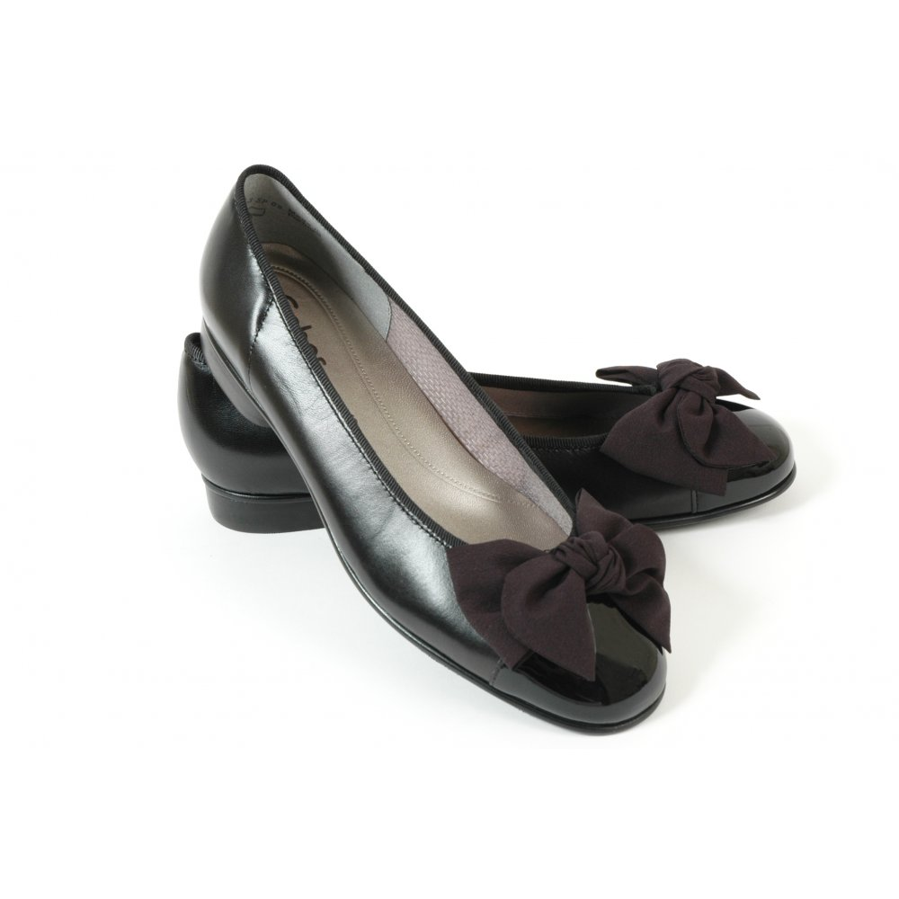 gabor shoes amy ladies ballet pump with bow shoe in black mozimo. Black Bedroom Furniture Sets. Home Design Ideas