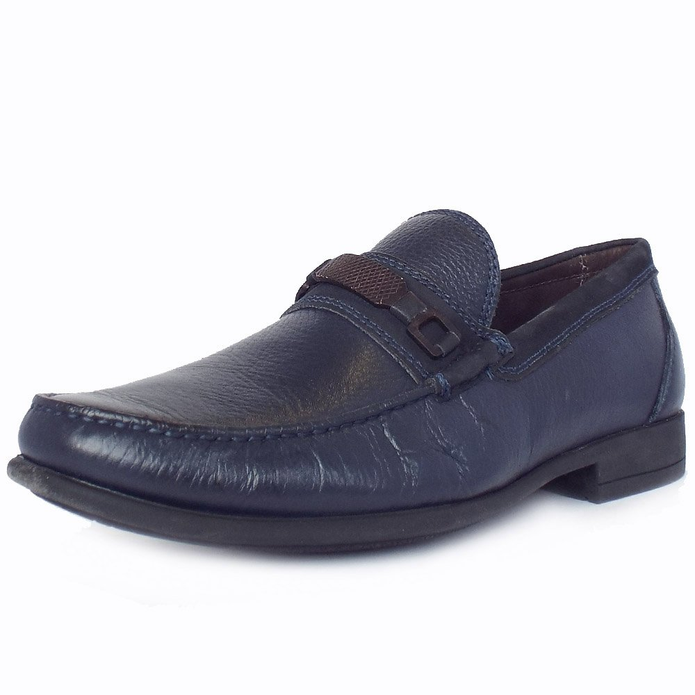 Loafers for men are a great shoe for mixing together smart and casual pieces to create a look that sits somewhere inbetween - perfect for those occasions that are tricky to dress for. Wear brown loafers with men's slim fit jeans and men's linen shirts, for a softer take on smart.