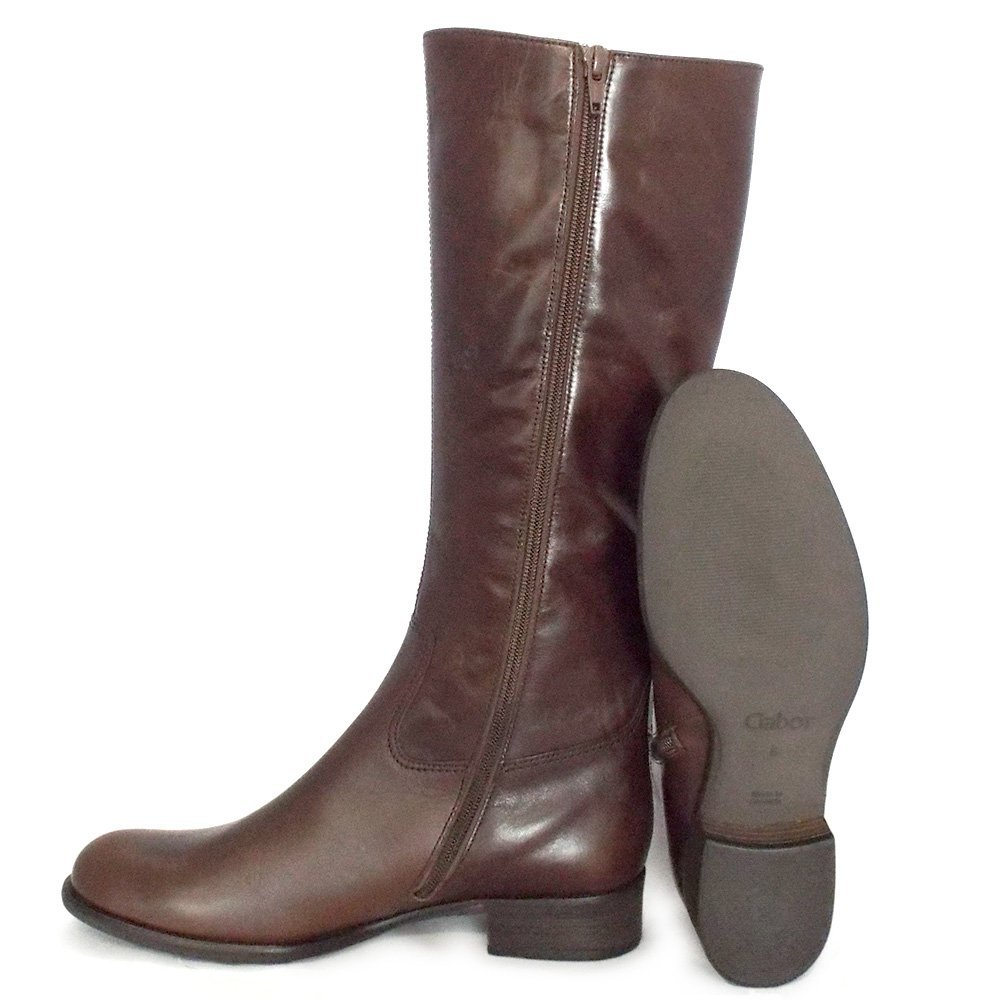 We now have wider width boots with ample room in the calf area, perfectly proportioned to fit all. Enjoy wider fits, our way. This product is available in feel-good widths.