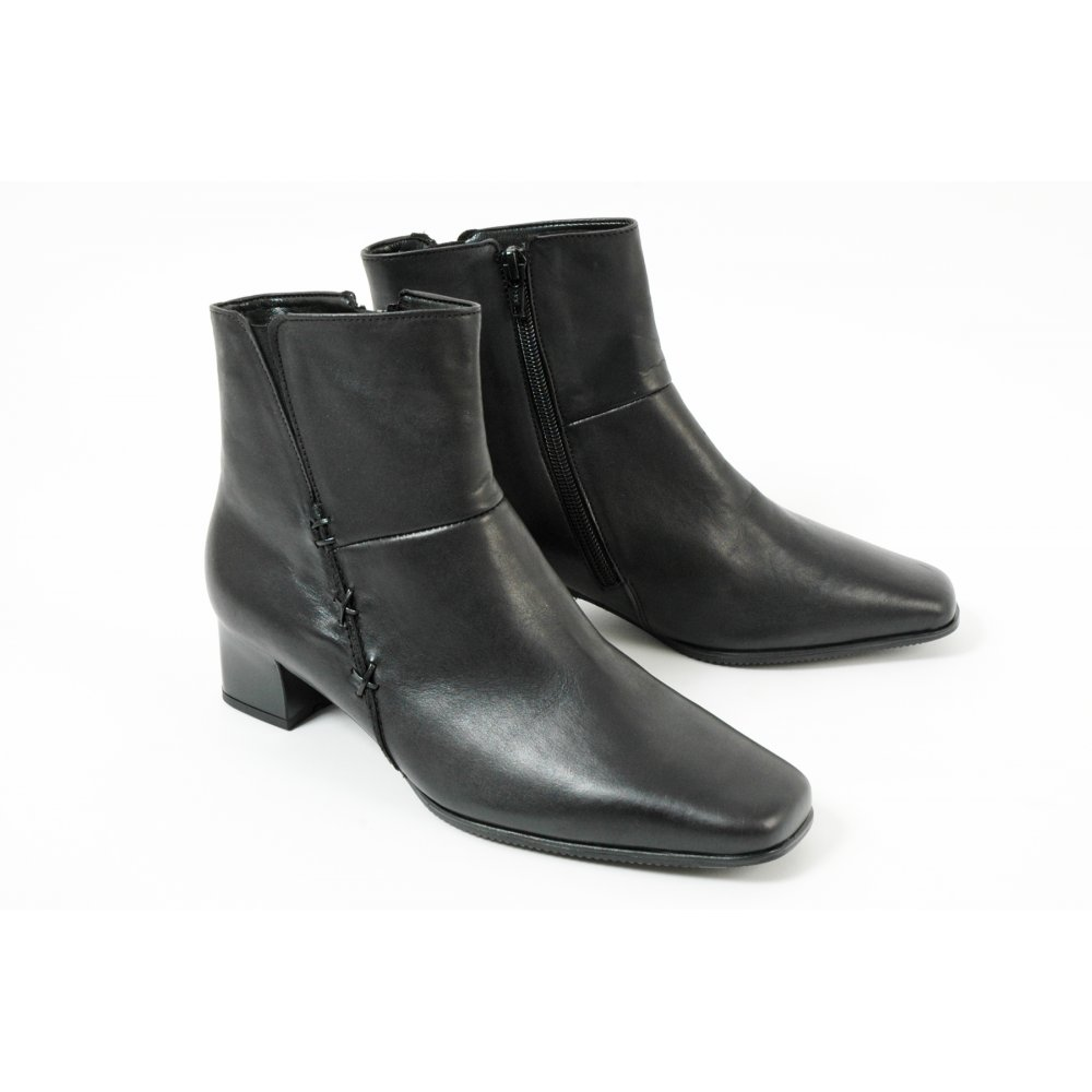 gabor boots bassanio wide fit ankle boot in black mozimo