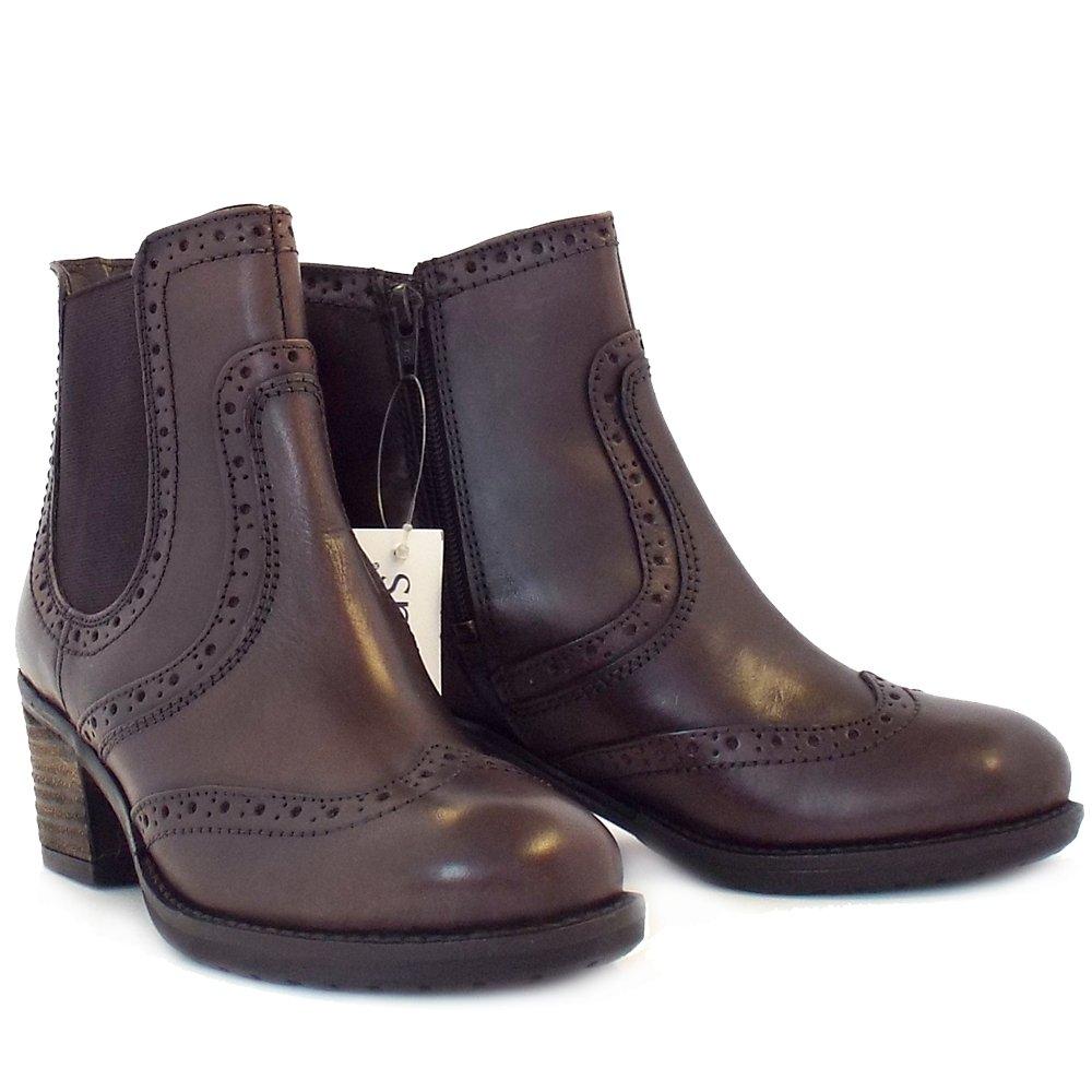 Daria In Leather