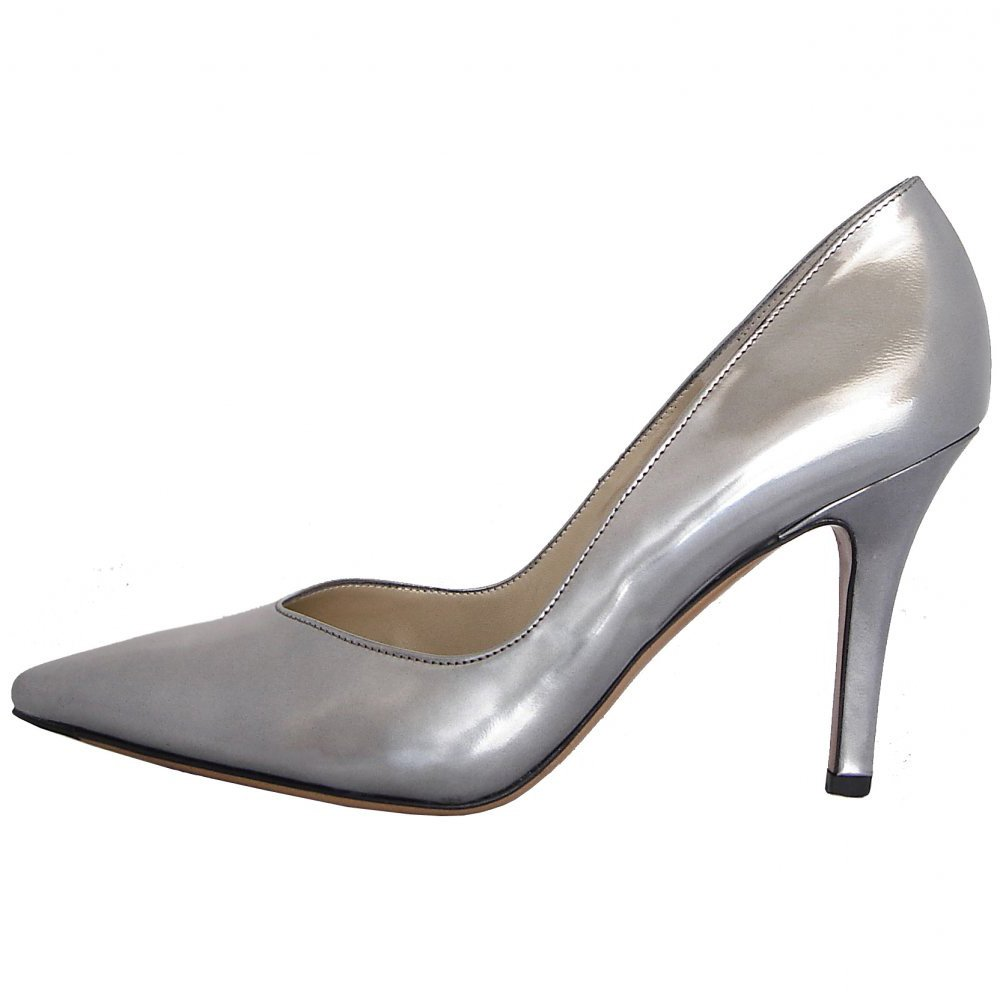 Discover Dune London's classic ladies court shoe collection and invest in some serious style. Whether you prefer round or pointed toe, kitten or wedge heel - we have the perfect style to complete your shoe wardrobe. Our court shoes have become even more chic with slingback styles and delicate heel.