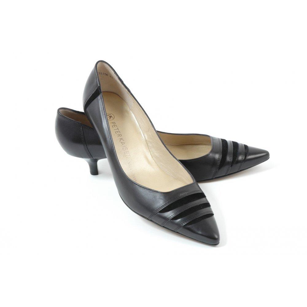 Duana Kitten Heel Court Shoes In Black