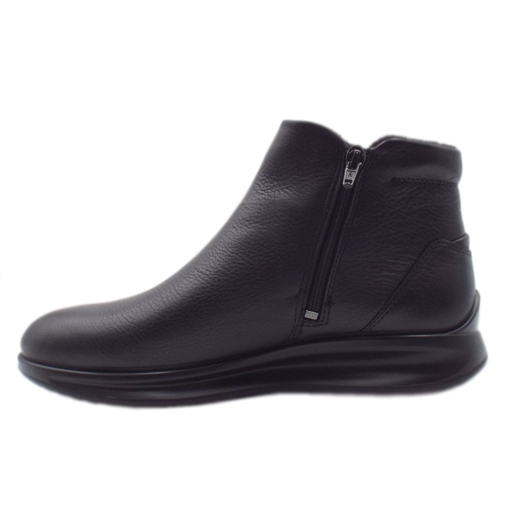 ECCO 207083 Aquet Sporty Gore Tex Ankle Boots in Black