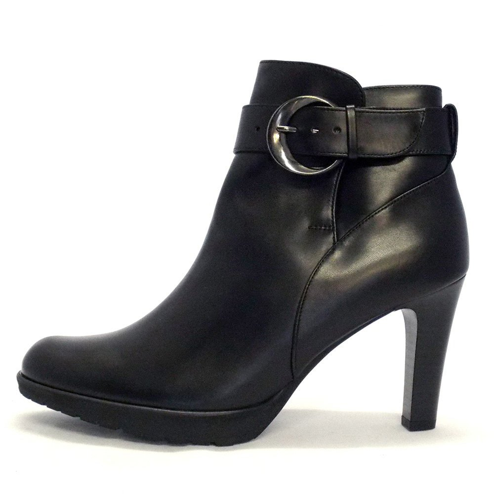 kaiser elta high heel ankle boots in black leather