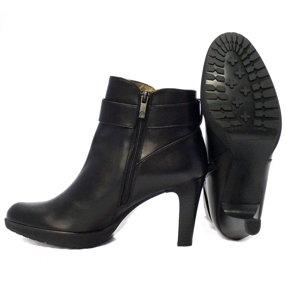 Peter Kaiser Elta | High heel ankle boots in black leather | Mozimo