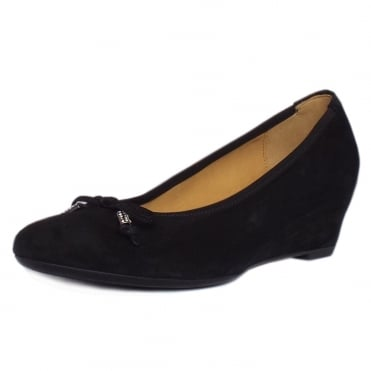 Alvin Smart Casual Low Wedge Pumps in Black Suede