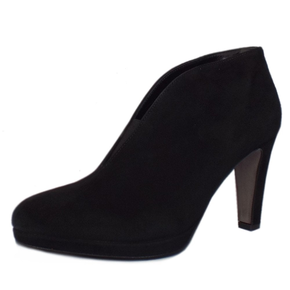 Amien Shoe Boots in Black Suede 68f024ce312