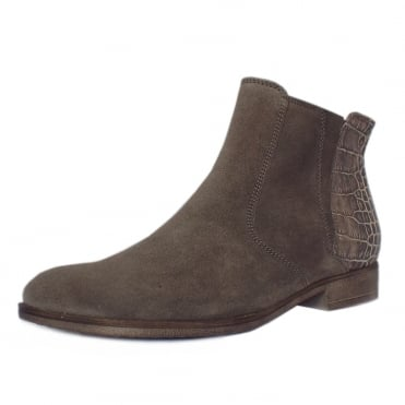 Chateau Modern Fashion Suede Ankle Boots In Wallaby