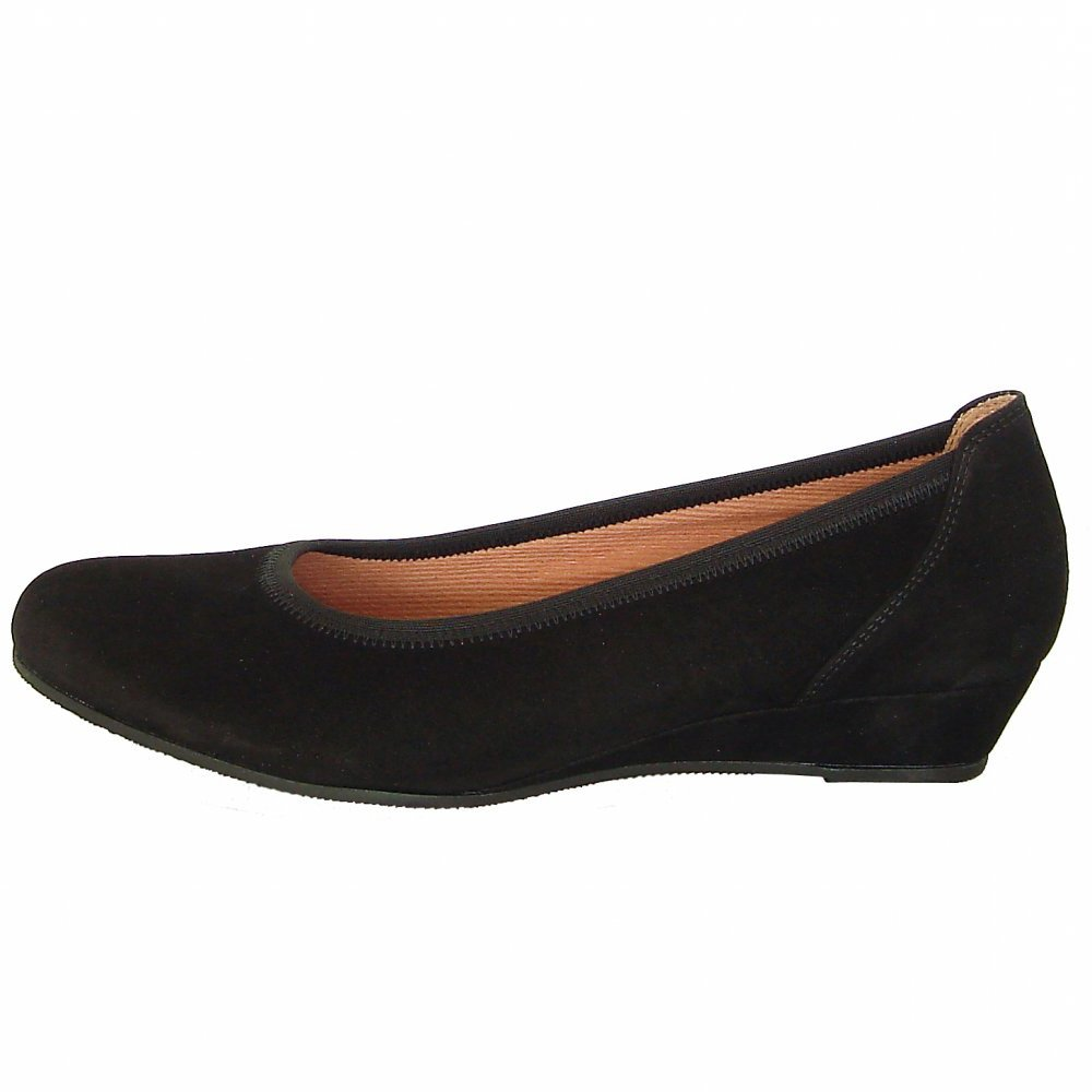 gabor shoes chester womens court shoe in black suede