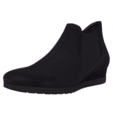 Debate Modern Smart Winter Boots in Black Suede