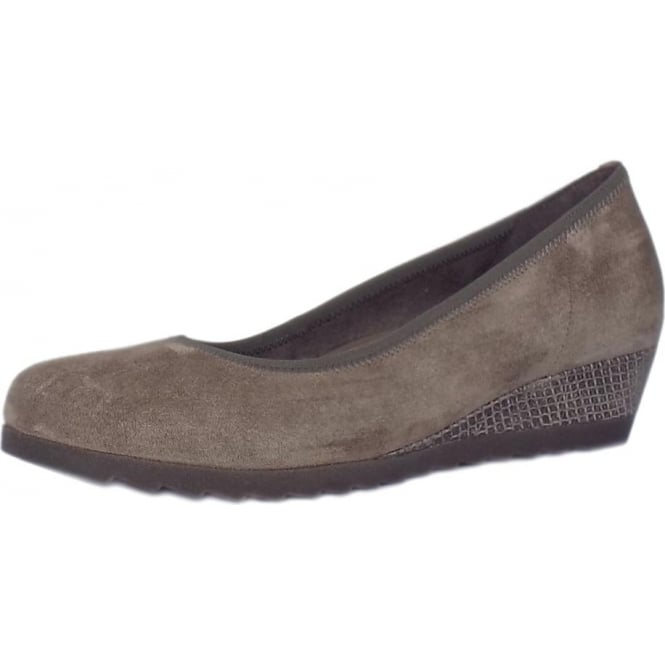 Gabor Epworth Women's Wide Fit Low Wedge Pumps in Wallaby