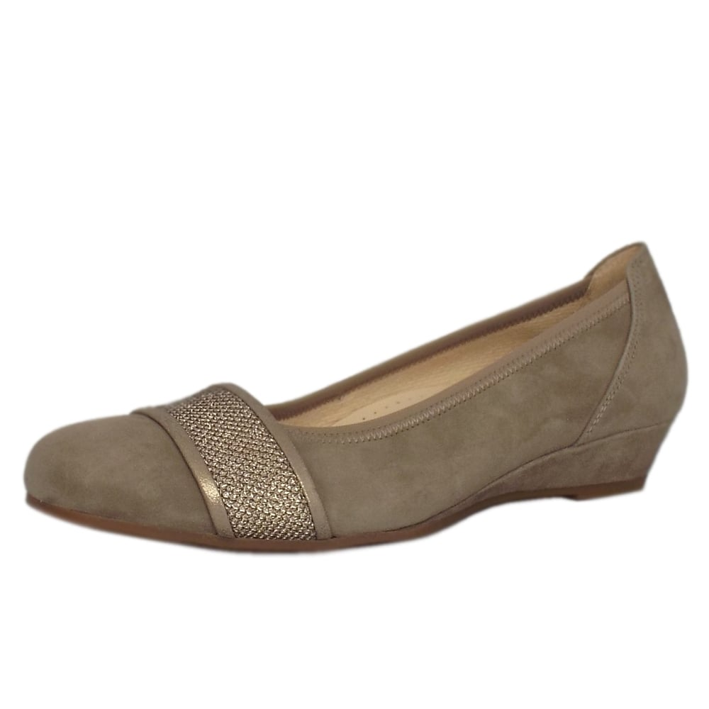 gabor helena smart low wedge pumps in taupe mozimo. Black Bedroom Furniture Sets. Home Design Ideas
