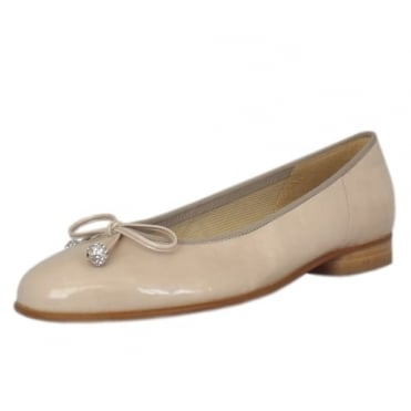 Lisa Ballet Pump in Sand Patent