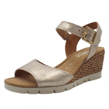 Nieve Comfortable Fashion Sandals in Metallic