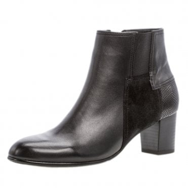 e919731e7ac Nuthatch Classic Wider Fit Ankle Boots in Black