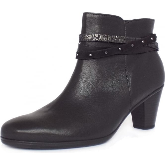 Gabor Solero Women's Fashion Ankle Boots in Black