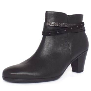 Solero Women's Fashion Ankle Boots in Black
