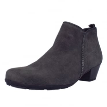 Trudy Modern Ankle Boots in Pepper