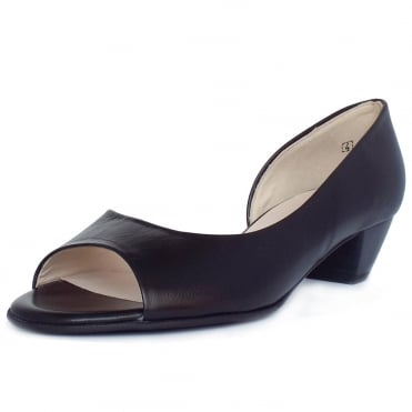 Itha Low Heel Open Toe Shoes in Black