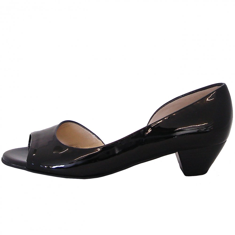 kaiser itha low heel open toe shoes in black