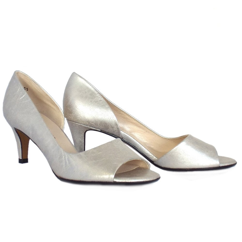 Silver Women's Sandals: Find the latest styles of Shoes from russia-youtube.tk Your Online Women's Shoes Store! Get 5% in rewards with Club O!