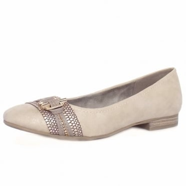 Melton Women's Casual Wide Fit Pumps in Light Gold