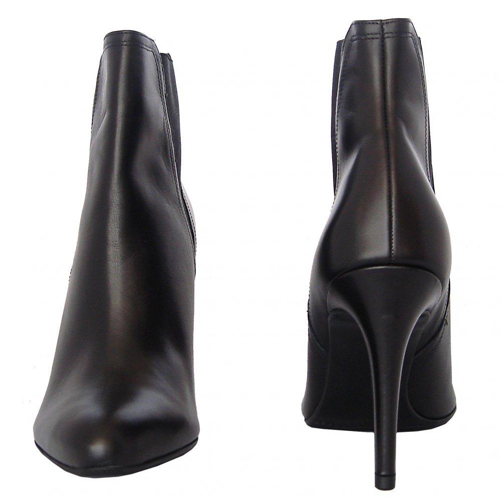 kaiser kuba modern high heel ankle boots in black