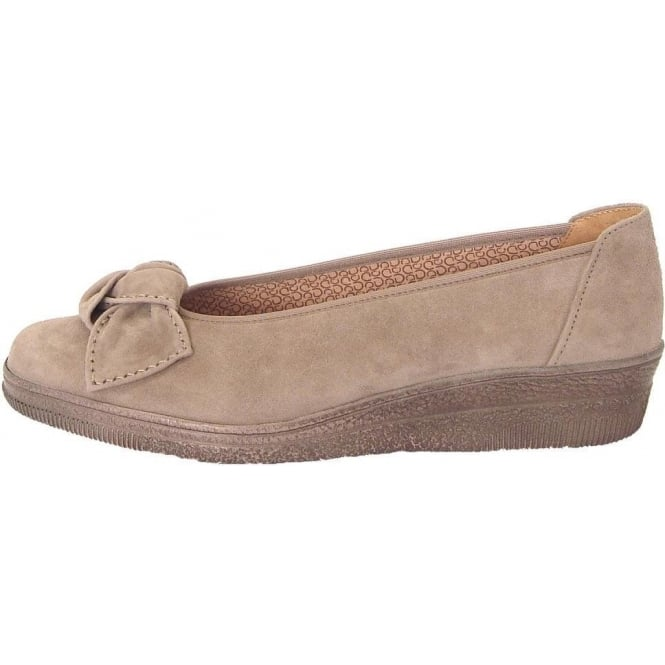 promo code 466c4 8e485 Gabor Lesley Womens Wide Fit Pump In Beige Suede