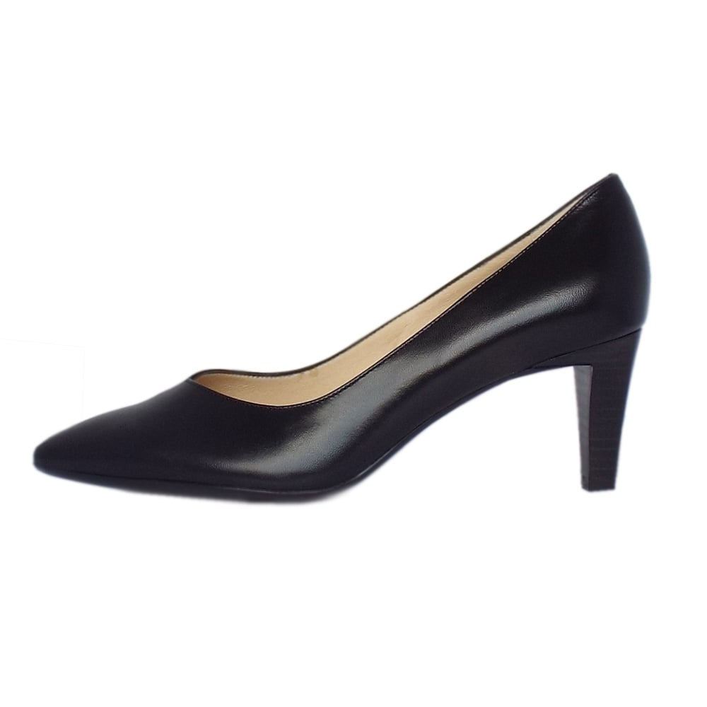 kaiser pointed toe low heel shoes in black