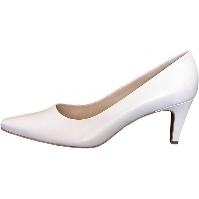 84de4ea2aa053 Manolo classic mid heel court shoes in white leather