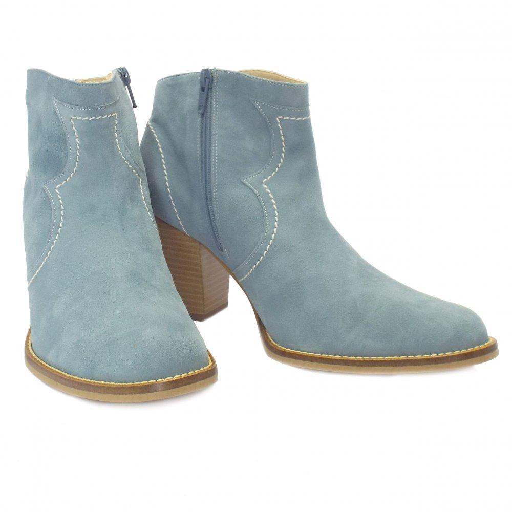 kaiser marisana light blue suede ankle