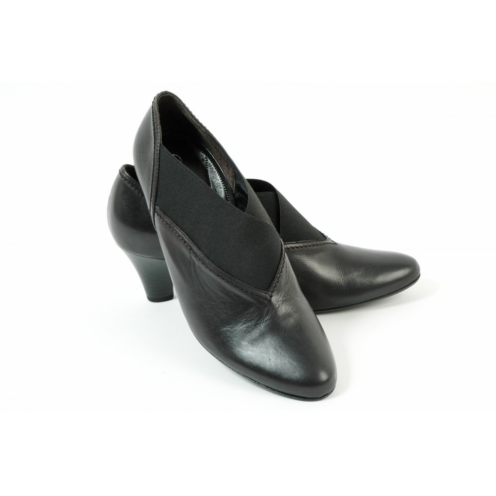 gabor boots nuro trouser shoe in black mozimo