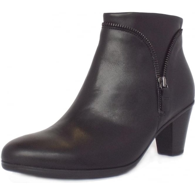 Onida Women  039 s Classic Ankle Boots In Black with Dark Metal ... 915506c553