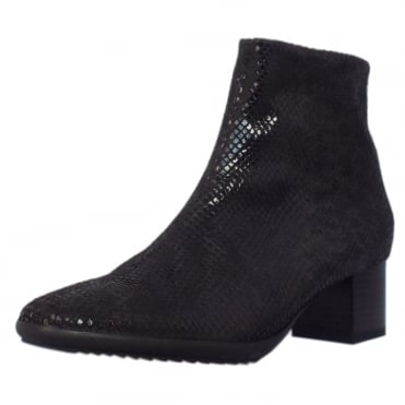 Genova Ankle Boots in Black Diano