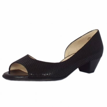 Itha Low Heel Open Toe Shoes in Black Topic
