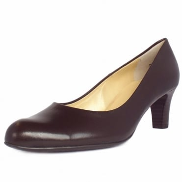 Nika Classic Court Shoes in Brown Leather