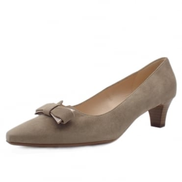 Saris Wide Fit Court Shoes With Bow In Taupe Suede