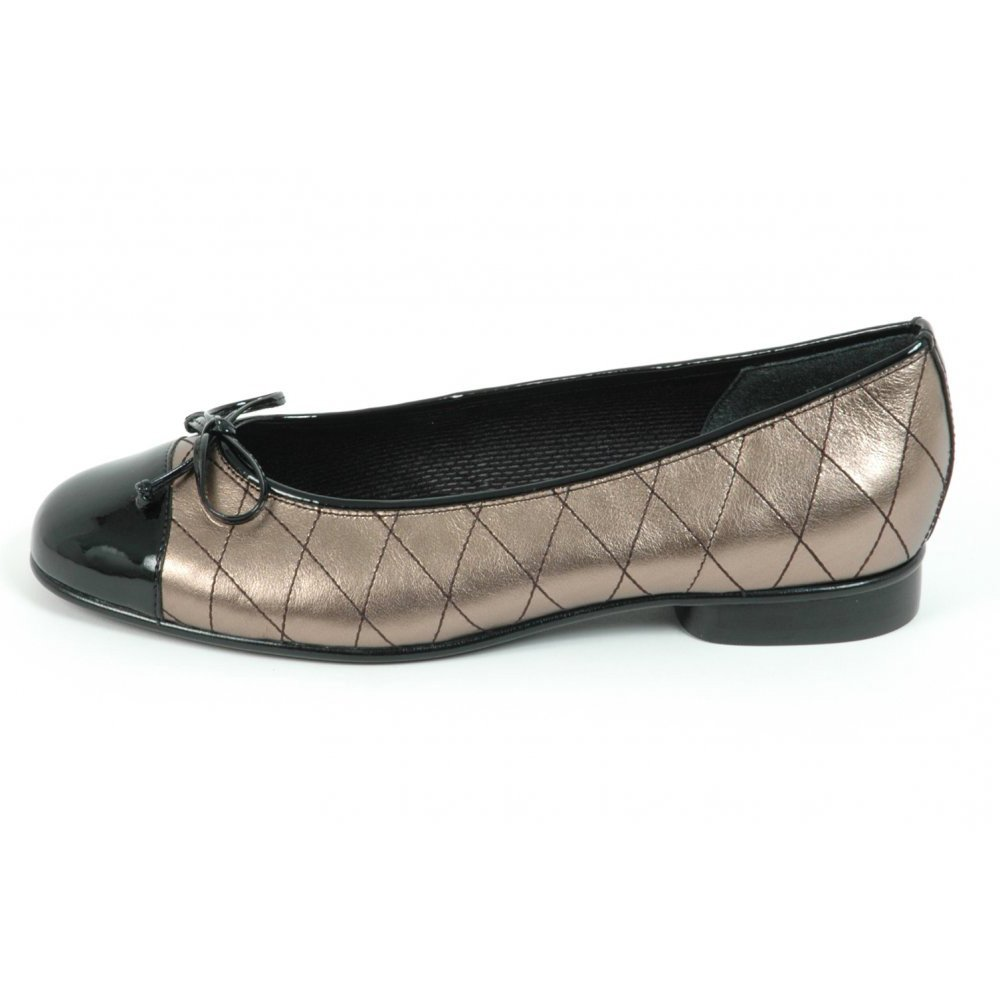 Gabor Shoes | Quilt Ladies Ballet Pump In Gold Leather| Mozimo