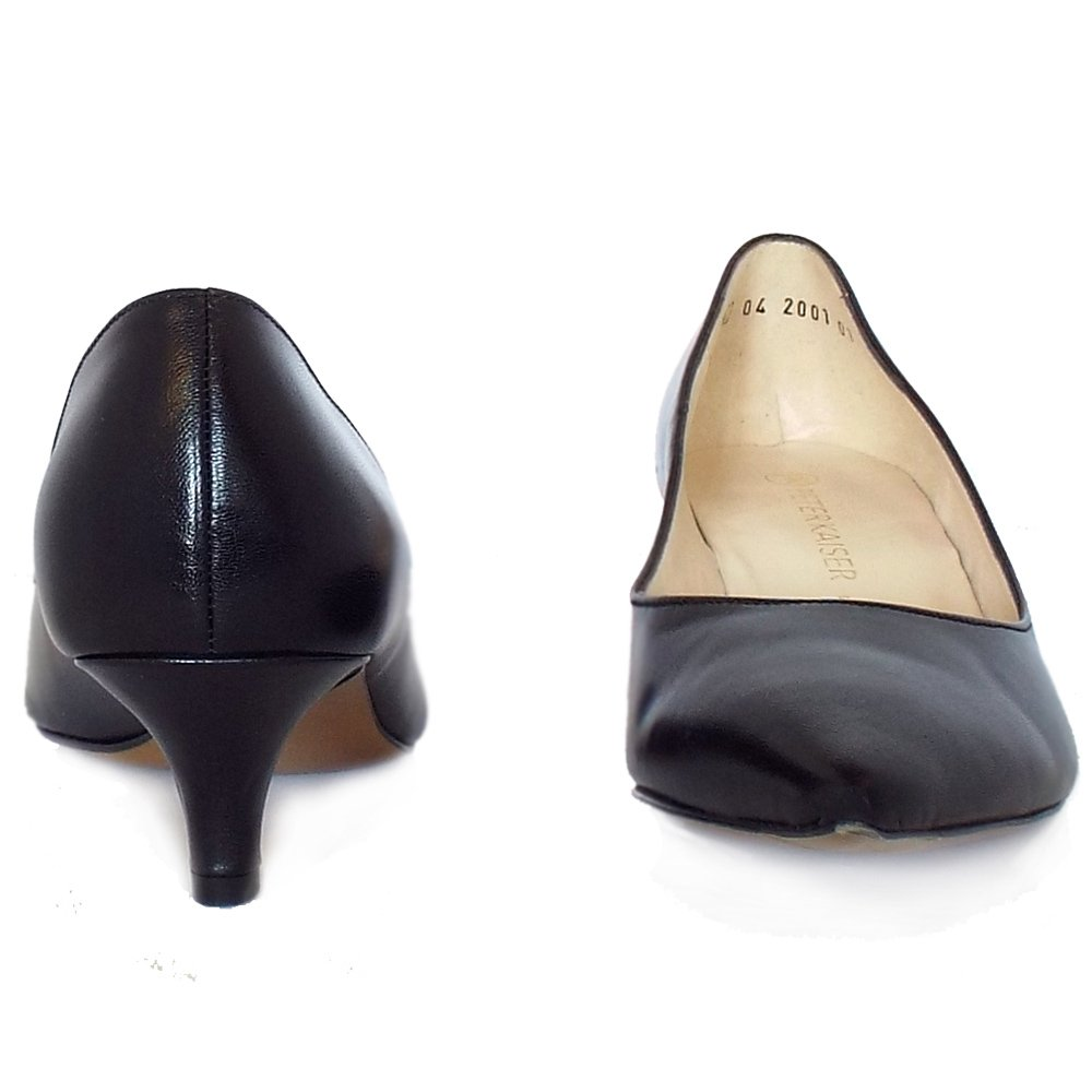 kaiser rona classic pointed toe court shoes in