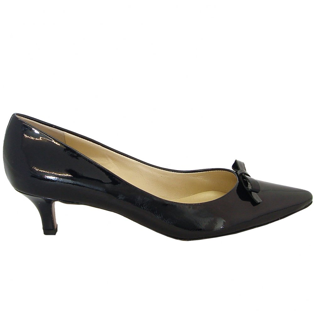 Peter Kaiser Rosa | Kitten heel shoes in navy patent | Mozimo