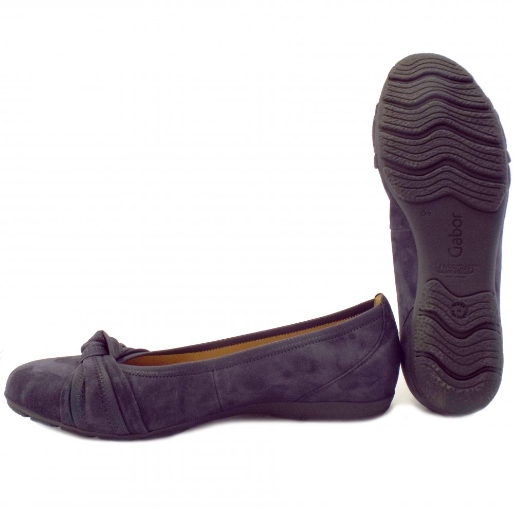Ollio Women's Shoes Faux Suede Comfort Ballet Flat. by Ollio. $ $ 24 99 Prime. FREE Shipping on eligible orders. Some sizes/colors are Prime eligible. out of 5 stars Product Features Round Toe Ballet Flat. Ollio Women's Shoe Light Comfort Faux Suede Cross Strap Ballet Flats.