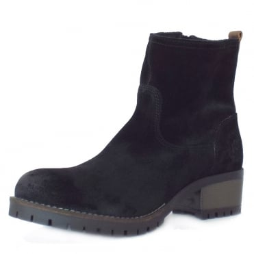 S.Oliver Alexa Women's Casual Short Boots in Black Suede