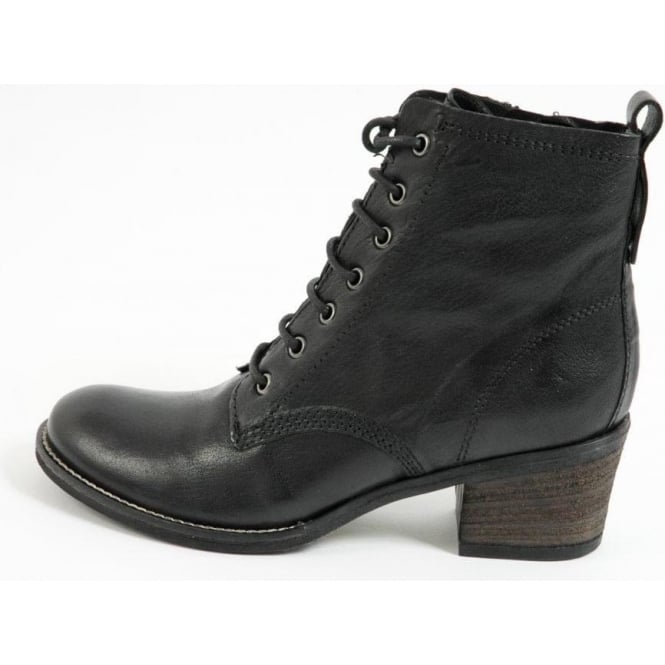 A26757 Sabrina lace-up ankle boots