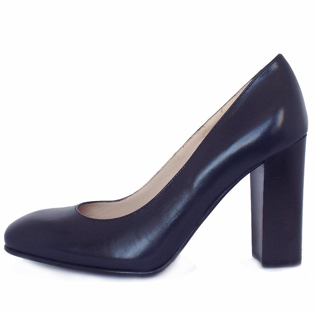 kaiser s block heel court shoes in