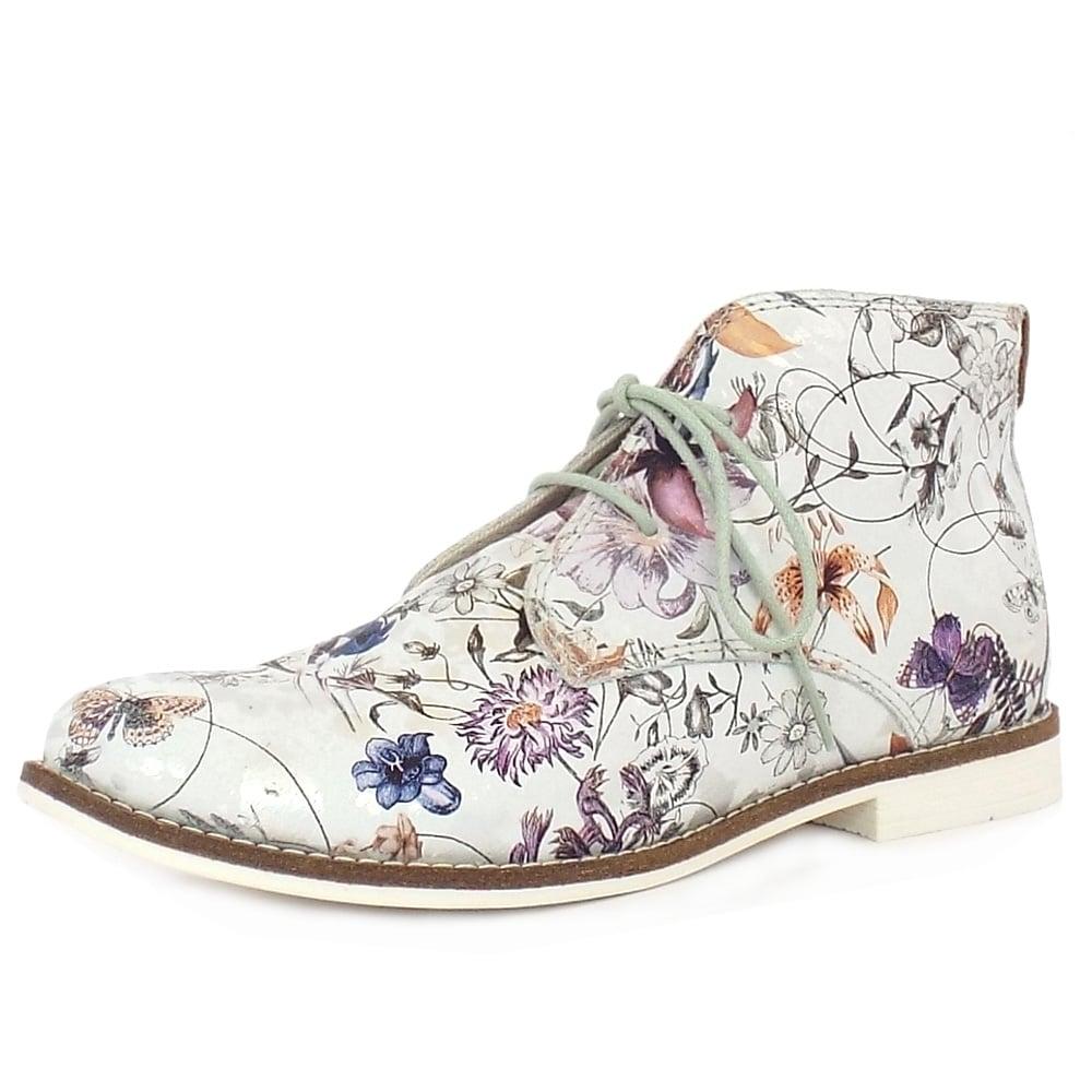 s oliver desert boots springfield suede boots in floral print. Black Bedroom Furniture Sets. Home Design Ideas