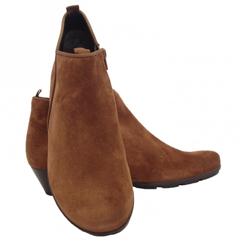 Sears has women's boots styles for every occasion. A pair of boots can go great with any outfit. Sears offers a variety of choices, including knee-length, cold weather and ankle boots.