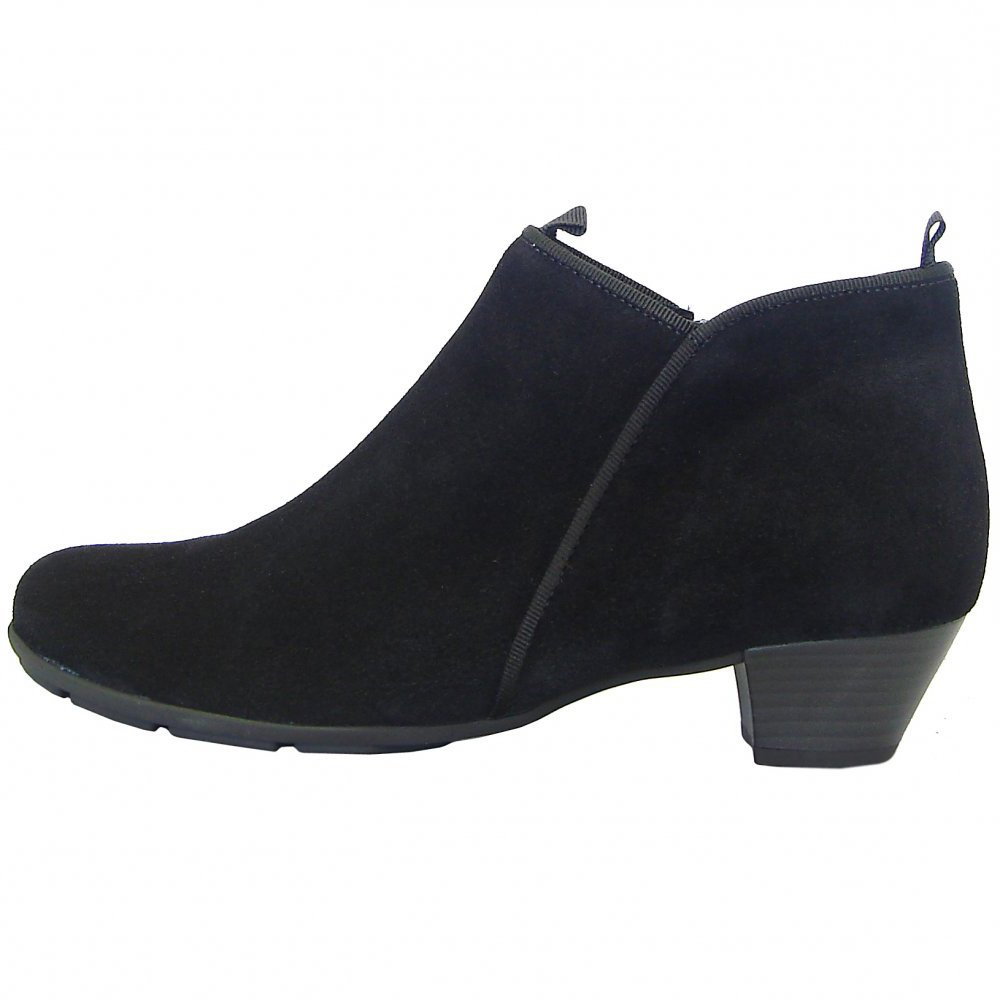 Short Heel Ankle Boots - Cr Boot
