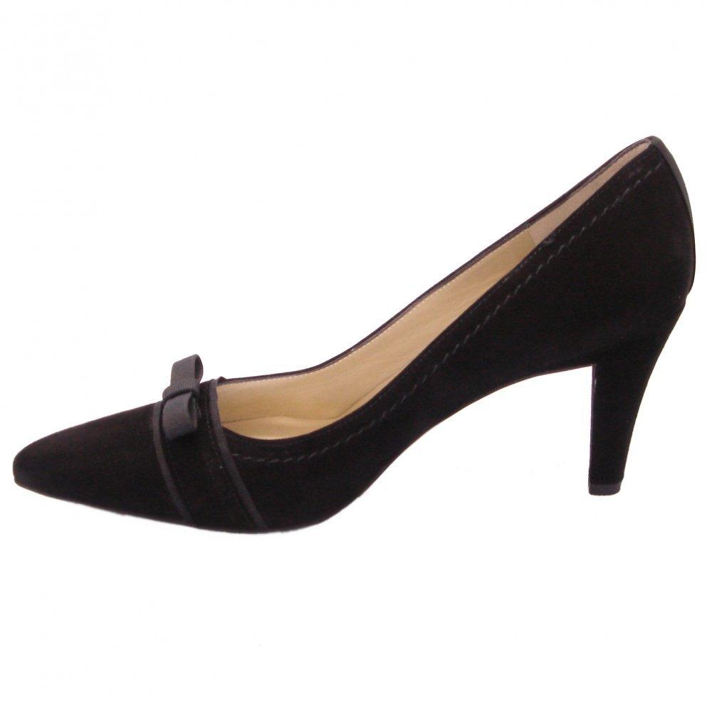 kaiser vermala deressy court shoes in black suede